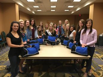 orientation-girls-with-bags