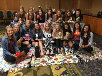 orientation-girls-with-blankets